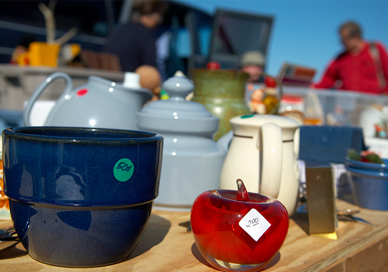 Want to make some quick cash this summer? A successful garage sale can be the perfect way to boost your savings.