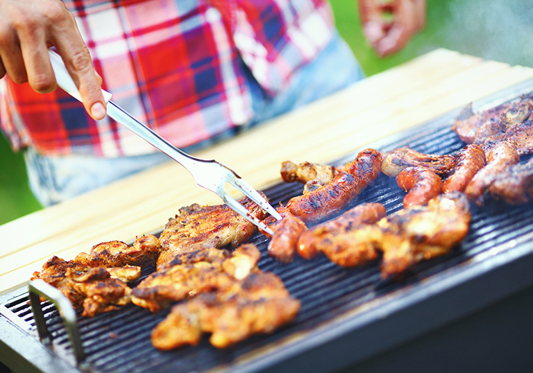 Don't let restricted spending slow you down. Embrace the challenge of throwing an unforgettable BBQ on a budget with these ten cheap BBQ ideas sure to wow your guests.